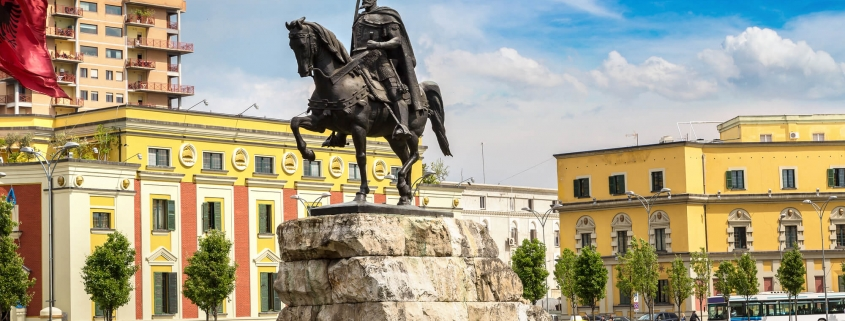 piazza centrale a Tirana