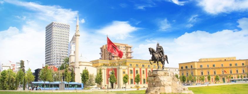 monumento eroe nazionale albanese Scanderbeg